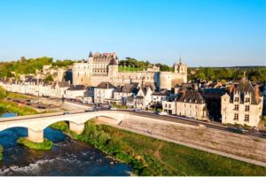 Visiting Amboise : aerial view of the Loire and the Amboise castle