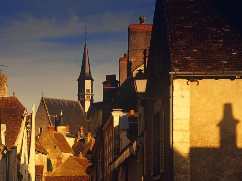 Streets of Amboise, a great wine & castle visit in the Loire Valley